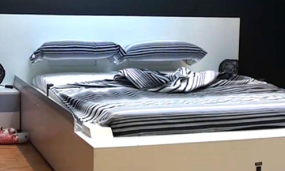 Una cama que se hace sola el gancho for Mueble que se hace cama