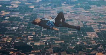 El Gancho. Up & Up Coldplay videoclip