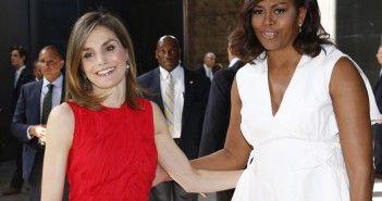 El gancho. letizia y michelle obama por la educacion de las niñas