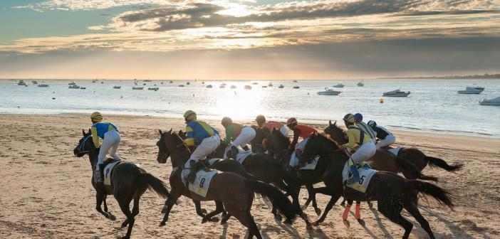 ¡Carreras de caballos en la playa de Sanlúcar!