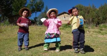 niños-peru-pomabamba