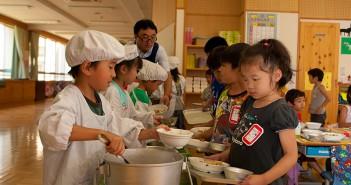 El comedor como asignatura en el colegio japon