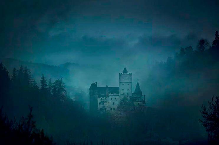 Ahora-puedes-alojarte-en-la-mansión-de-Drácula-esta-Noche-de-Brujas-gracias-a-AirBNB-4