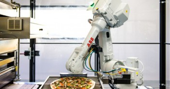 Con-este-vehículo-las-pizzas-llegarán-recién-salidas-del-horno-robot
