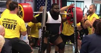 Ray Williams con 456 kilos encima