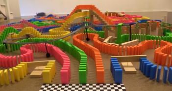 Carrera de domino- que color llega primero