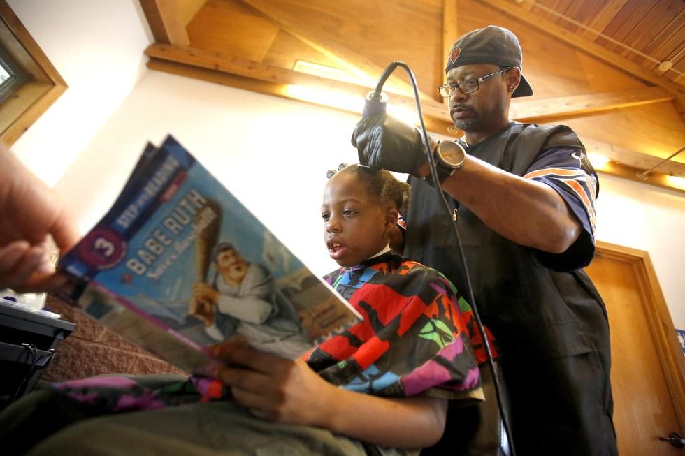 Peluquero gratis niños que lean