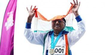 Man Kaur gana-medalla-medalla-de-oro-con-101-anos