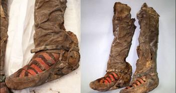 Una momia con zapatos modernos