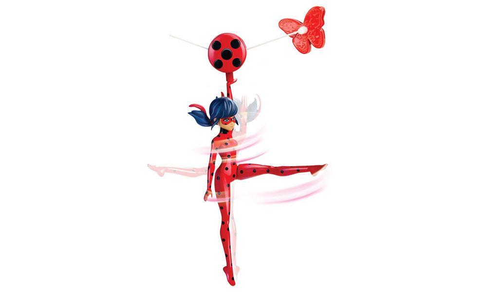 Consigue tu LadyBug voladora  acciión tirolina