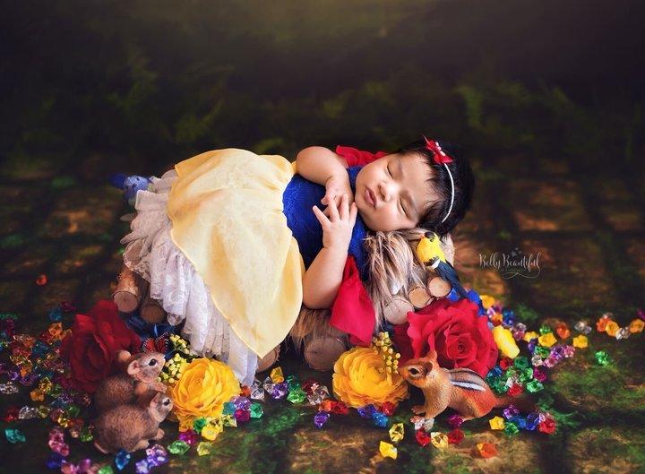 foto-bebé-princesa-blancanieves-y-los-siete-enanitos-disney-karen-marie