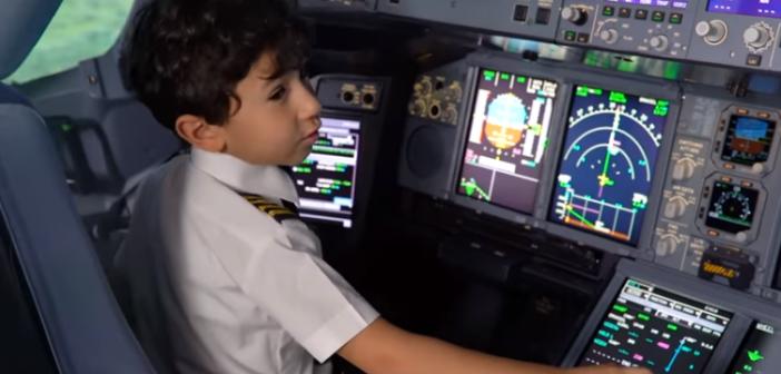 Capitán Adam, el piloto de 6 años