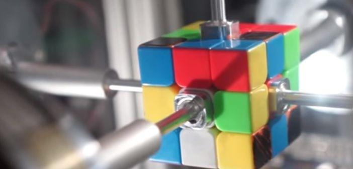 ¡El Cubo de Rubik resuelto en 0,38 segundos!