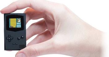 PocketSprite-una-consola-de-llavero