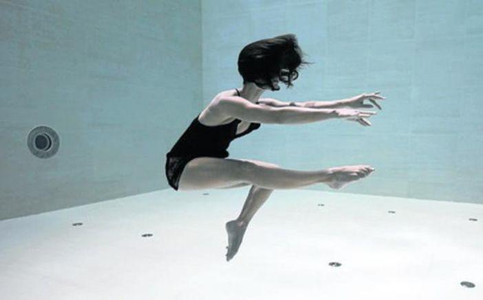 danza-bajo-el-agua-1