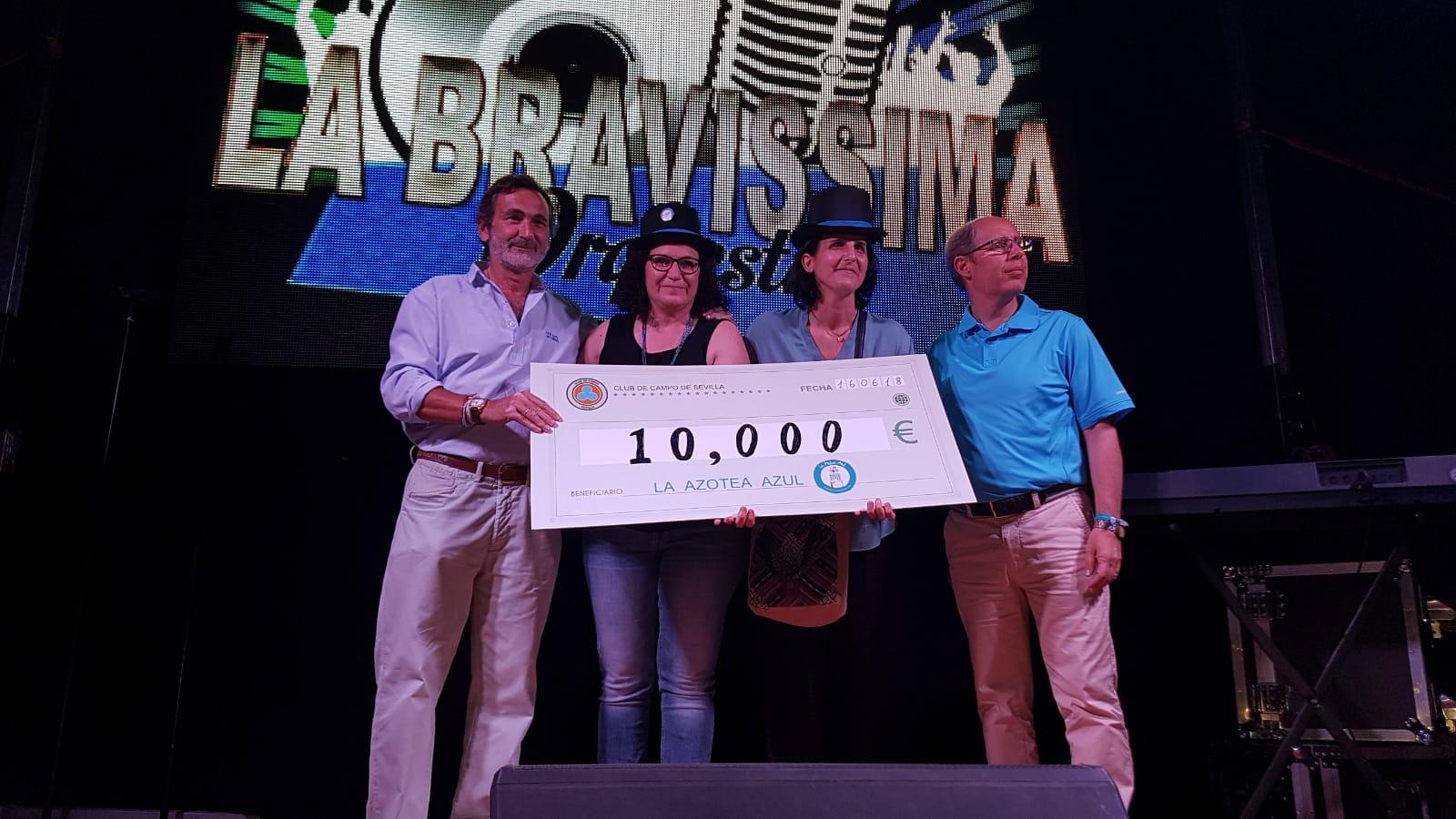 el-club-de-campo-de-sevilla-recauda-10000-euros-para-la-azotea-azul-5